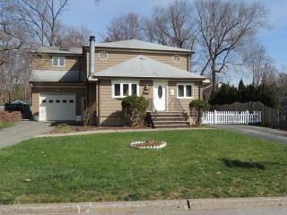 239 Magnolia Avenue, Pompton Lakes NJ