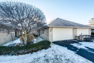 18433 Lakeview Circle West, Tinley Park IL