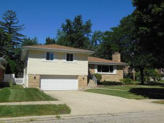 604 South Grant Avenue, Villa Park IL