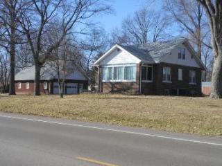 350 Glen Carbon Rd, Glen Carbon, IL 62034