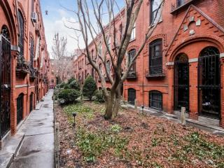 8 Warren Pl, Brooklyn, NY 11201