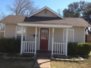 828 W McNeill St, Stephenville, TX 76401