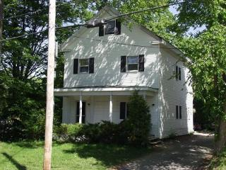 47 Court St, Bath, ME 04530