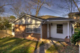 1311 Avenue O, Huntsville, TX 77340