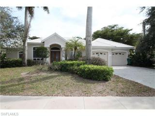 8126 Las Palmas Way, Naples, FL 34109