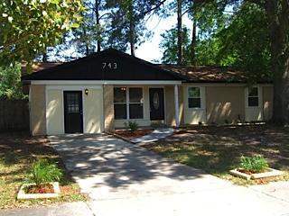 743 Trambley Dr E, Jacksonville, FL 32221