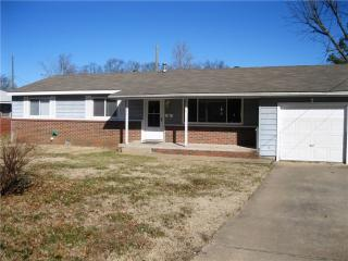 804 NW 8th St, Bentonville, AR 72712