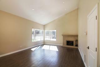 8121 Brownstone St, Sunland, CA 91040