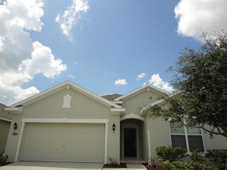 30652 Palmerston Pl, Wesley Chapel, FL 33545