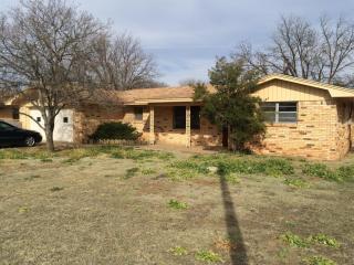 2009 College Ave, Levelland, TX 79336