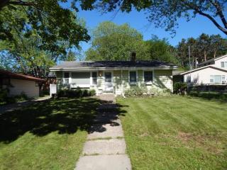 1198 Bidwell St, Saint Paul, MN 55118