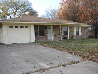 829 Garrett Circle, Chandler TX