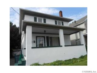 128 W Elm St, East Rochester, NY 14445