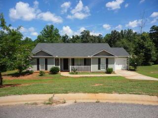 215 McKenzie Dr, Danielsville, GA 30633