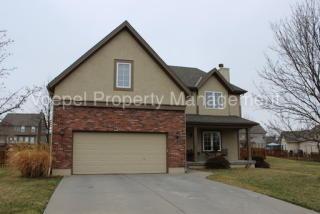 1112 Regency Dr, Kearney, MO 64060