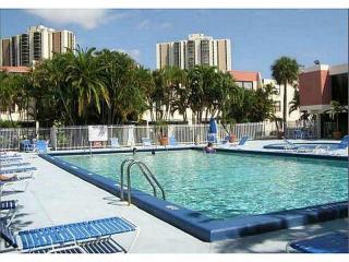 20401 NE 30th Ave #8, Miami, FL 33180