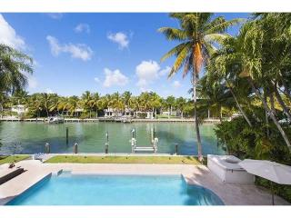 1717 W 24th St, Miami Beach, FL 33140