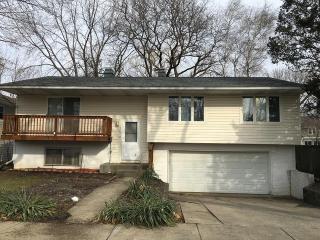 570 Hawthorne Rd, Buffalo Grove, IL 60089