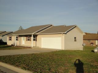 1616 Jon St, West Plains, MO 65775