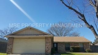 412 Goldfinch Dr, Fort Worth, TX 76108