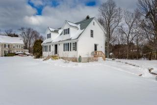 99 Marlboro Rd #1, Southborough, MA 01772