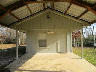793 C Walker Loop W, Huntsville, TX 77340
