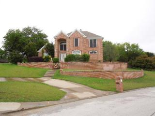 8678 Glen Hollow Drive, Fort Worth TX
