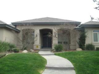 11619 Harrington St, Bakersfield, CA 93311