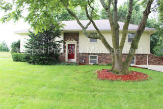 407 E 10th St, Kearney, MO 64060