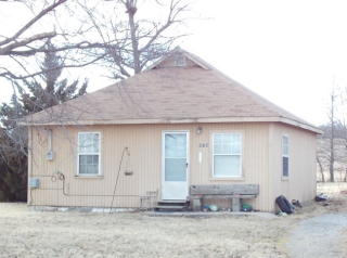 919 South Military Avenue, Mulberry KS