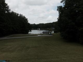 27 Country Club Drive, Gasburg VA