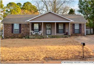 1765 Colonial Hills Drive, Southaven MS
