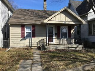 115 Walnut St, Rossford, OH 43460