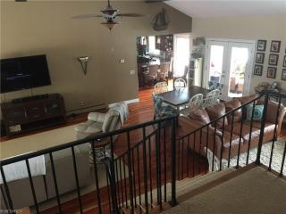 37455 Lake Shore Blvd, Willoughby, OH 44095