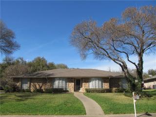 347 Squirebrook Drive, Desoto TX