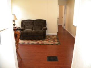 1325 Metropolitan Ave #B, Leavenworth, KS 66048