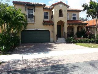 15050 SW 27th St, Miami, FL 33185