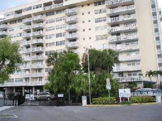 13155 Ixora Court #302, North Miami FL