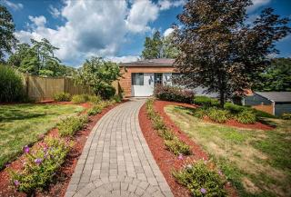 1 Rolling Green Dr, Milford, MA 01757