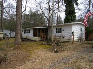 123 Leisure Woods Lane, Hiawassee GA