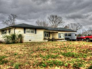 1483 Link Road, New Johnsonville TN