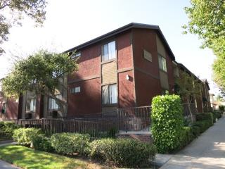 515 S Chevy Chase Dr #11, Glendale, CA 91205