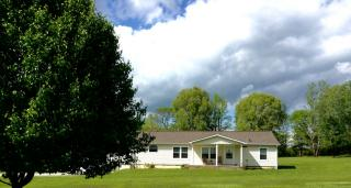1543 Link Road, New Johnsonville TN