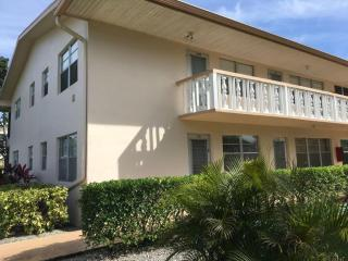 178 Canterbury H, West Palm Beach FL