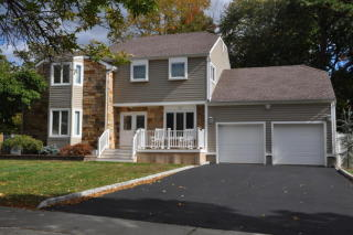 28 La Valencia Road, Old Bridge NJ