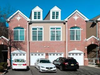 152 Lydia Drive, Guttenberg NJ