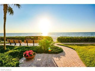 3333 Gulf Shore Boulevard North #102, Naples FL