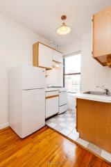 217 Thompson St #41, New York, NY 10012