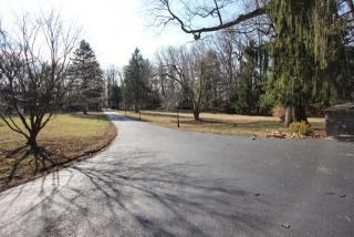 33 Rock Road East, Green Brook NJ