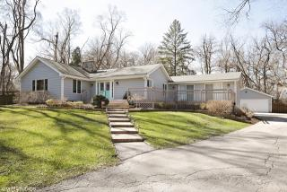 7043 North Willow Spring Road, Long Grove IL